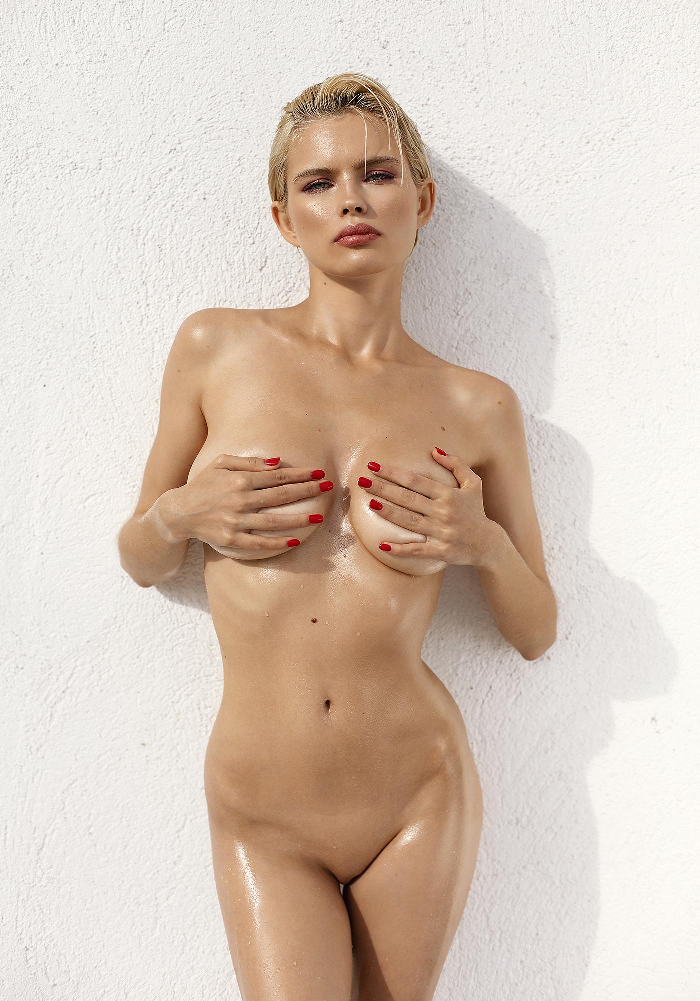 Nude julia logacheva Julia Logacheva